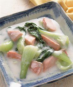 鮭と青梗菜のクリーム煮 | 阿部徳恵さんのレシピ【オレンジページnet】プロに教わる簡単おいしい献立レシピ