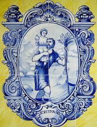 Portugal torrão natal: FREGUEISA DE OVAR - S. Cristóvão, Padroeiro de Ovar De acordo com o historiador Dr.Alberto Lamy, na sua Monografia de Ovar, S. Cristóvão foi venerado por costume imemorial como padroeiro de Ovar. A Igreja Paroquial já lhe era dedicada em 1132, nunca mudando de invocação. S. Cristóvão de Lícia, considerado um santo mártir, cananeu de origem, teria vivido no século III,