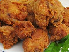 This is my version of crispy Fried Chicken. An excellent choice for a weekend night dinner. The family will go crazy for this Crispy Fried Chicken. Making Fried Chicken, Crispy Fried Chicken, Tandoori Chicken, Food Porn, Thai Dishes, Chicken Wing Recipes, Arabic Food, Foodblogger, Food For Thought