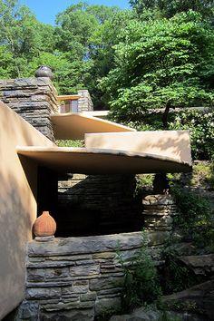 PA - Mill Run: Fallingwater - Frank Lloyd Wright