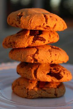 Maapähkinävoi-suklaahippukeksit - Sweet Food O´Mine Sweet Recipes, Cookies, Baking, Desserts, Food, Crack Crackers, Tailgate Desserts, Deserts, Biscuits