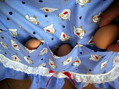 another pinner said....egg apron...  I am making one of these!!