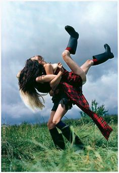 Earth Girls: Trish Goff and Kirsty Hume by Tim Walker for UK Vogue December 1998