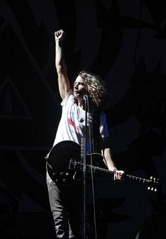 Chris Cornell Photos - New Found Glory & Chris Cornell Visit fuse Studios - Zimbio