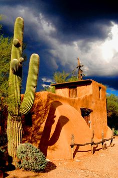 ~ It's a Colorful Life ~ — De Grazia Chapel in Tucson, Arizona (by Scuba CCK) Tucson Arizona, Arizona Usa, Desert Life, Land Of Enchantment, Parcs, Belle Photo, Ecuador, Places To See, Beautiful Places