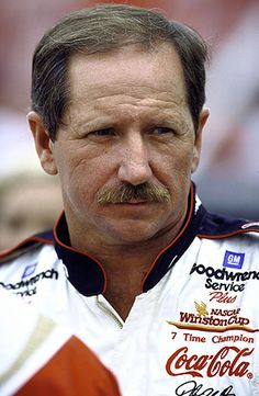dale earnhardt   Dale Earnhardt's courage became one of his most well-known and admired ...