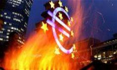 €uro, perché non poteva funzionare. Un  progetto sinistro, che oltre ad aver annientato il benessere della  maggior parte di noi si sta preparando a cancellare ogni residua traccia  di democrazia in Europa. In una parola, un progetto nazista. Der Kampfhuhn sta parlando della moneta europea: l'€uro.