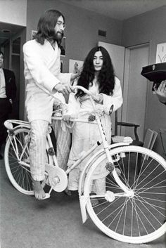 Wedding bike-John Lennon with Yoko Ono, 27 March 1969. Photo by Ruud Hoff. I wonder where this bicycle is now? | Shared from http://hikebike.net