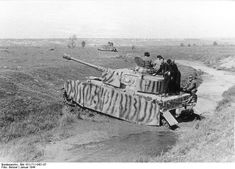 Panzerkampfwagen IV - Panzer IV Ausf. G-H-J, the workhorse of the Wehrmacht and the Waffen SS from 1941 until the end of the war.