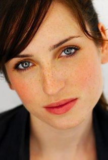 """Zoe Lister-Jones  ~~~Currently has the role of Jen in TV Series """"Life In Pieces"""" 2016"""