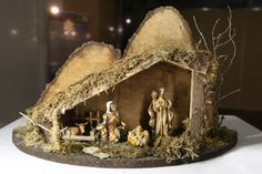 It is a tradition to build a crib yourself. Our building instructions will help you if . It is a tradition to build a crib yourself. Our building instructions will help you if you want to Diy Letter Board, Diy Letters, Wooden Letters, Christmas Diy, Christmas Decorations, Holiday Decor, Diy Nativity, Art Deco Bedroom, Diy Nightstand