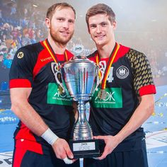 """Super: Rune Dahmke, Steffen Weinhold and the national team of Germany take the cup! @runedahmke @steffenweinhold13 @dhb_teams saschaklahn.com #handball…"""