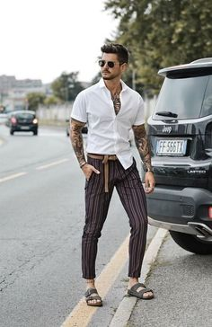 Birkenstoks fashion fashion items and ideas in 2019 мужской Modern Outfits, Casual Outfits, Stylish Men, Men Casual, Country Casual, Streetwear, Birkenstock Outfit, Summer Outfits Men, Herren Outfit