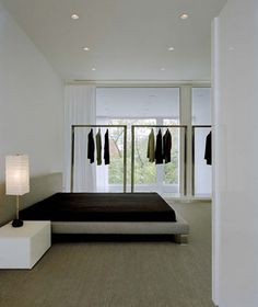 Chicago Town House by Alexander Gorlin Architects in Chicago Minimal Home, Minimalist Home Decor, Minimalist Interior, Minimalist Living, Minimalist Bedroom, Minimalist Design, Loft Spaces, Home Decor Bedroom, Master Bedroom