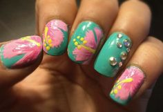So pretty! I love them and it doesn't hurt that hibiscus is my favorite flower either Hibiscus Nail Art, Flower Nail Art, Hibiscus Flowers, Summery Nails, Simple Nails, Aloha Nails, Hawaiian Nails, Tropical Nail Designs, Cruise Nails