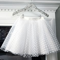 Polka dot tulle skirt in white Polka dot tulle skirt in white Baby Girl Skirts, Little Girl Dresses, Baby Girl Fashion, Kids Fashion, Cute Toddler Girl Clothes, Baby Girl Birthday Dress, Tutu Rock, Baby Dress Patterns, Skirts For Kids