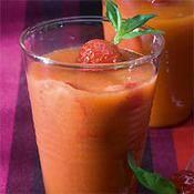 Gaspacho de fraise et tomate - une recette Espagnol - Cuisine