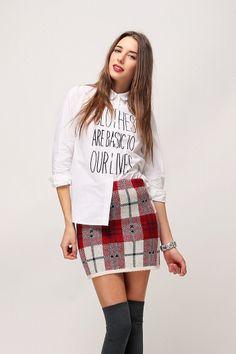 Tartan Check Knit Skirt // Storets.com // #STORETS #MiniSkirt #TartanPrints