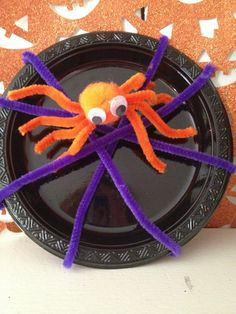 Halloween Crafts for Kids: Creepy Pipe Cleaner Spider from My Kids Guide