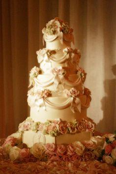 Mehrstöckige Hochzeitskuchen und Torten  -
