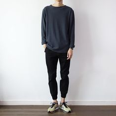 20 Daily Outfits for Men with Minimal Fashion - Outfit Styles Sneaker Outfits, Nike Outfits, Casual Outfits, Casual Hair, Dress Casual, Summer Outfits, Fashion Outfits, Korean Fashion Men, Trendy Fashion
