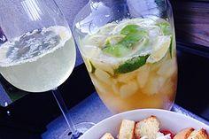 Caipirinha-Bowle, ein schönes Rezept aus der Kategorie Party. Bewertungen: 838. Durchschnitt: Ø 4,7.