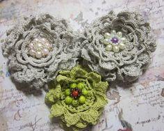 abbellimenti fiori a uncinetto