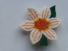 Handmade felt daffodil brooch, pin - easter or spring gift, pale yellow, beaded