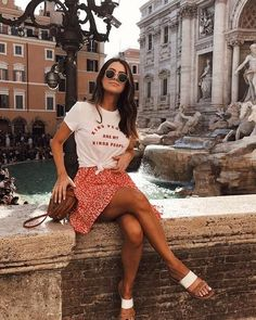 Flawless Summer Outfits Ideas For Slim Women That Looks Cool - Oscilling Spring Outfit Women, Chic Summer Outfits, Spring Summer Fashion, Trendy Outfits, Cute Outfits, Summer Art, Summer Outfits For Vacation, Glamorous Outfits, Europe Outfits Summer
