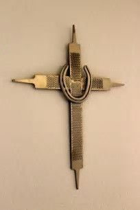 Horseshoe Cross #Horseshoecraftsideas