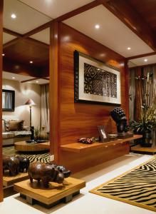 african home decor - Bing Images African Room, African House, African Interior Design, African Furniture, Global Home, African Home Decor, Home Decor Trends, Home Fashion, Fashion Ideas