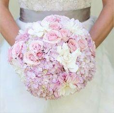 Blumen Inspiration zur Hochzeit. www.HarmonyMinds.de #Hochzeitsblumen…