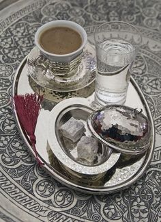 Turkish coffee is always served with water and Turkish delight #turkishcoffeepot #turkishcoffee #coffeeset Coffee Cafe, Coffee Set, Black Coffee, Coffee Break, Coffee Drinks, Turkish Coffee Cups, Turkish Tea, Turkish Delight, Coffee Presentation