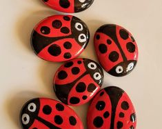 Lady bug rocks garden stones home decor gardening art garden rock mother s day gift gift 70 favourite side house garden landscaping decoration ideas with rocks Garden Stones, Rocks Garden, Garden Bugs, Garden Pool, Rock Crafts, Arts And Crafts, Bug Crafts, Painted Garden Rocks, Lady Bug Painted Rocks