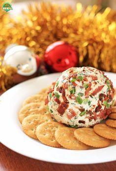 Bola de queso con tocino y jalapeño. Receta para Navidad   Cocina Muy Fácil   http://cocinamuyfacil.com
