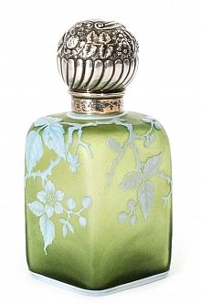 A late 19th Cent. Thomas Webb & Sons cameo glass scent bottle of shouldered square section cased in opal over citron and cut with a flowering briar rose bough with butterfly below a large silver hallmarked screw cap by James Grinsell & Sons of Birmingham, hallmarked Birmingham 1888, h 15cm.