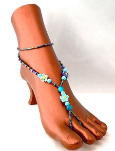 Barefoot Beach Sandals by buoyantearth on Etsy, $25.00