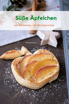 Sweet puff pastry apples with marzipan cream - Nachtisch Sweet Bread Meat, Marzipan Creme, Bread Cast, How To Cook Ham, Puff Pastry Recipes, Cream Cheese Filling, Sweet And Salty, Christmas Desserts, Creative Food