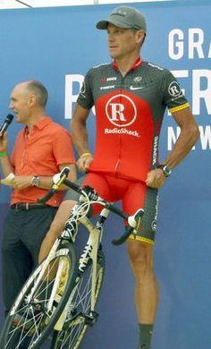 Lance Armstrong, convertido ya en una leyenda por su superación de un cáncer y posterior victoria en siete Tours de Francia consecutivos.