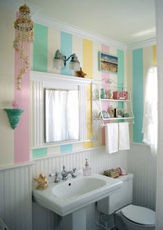 Everyday is a Holiday: a little tour of our Salt Water Taffy Striped Bathroom #beach #decor #vintage #pastel