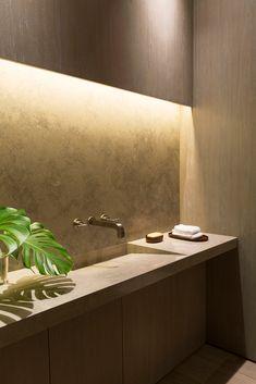 Galeria de OM Townhouse / Studio Arthur Casas - 17 Bathroom Wall Decor, Bathroom Vanity Lighting, Bathroom Interior Design, Bathroom Designs, Budget Bathroom Remodel, Shower Remodel, Bathroom Makeovers, Home Design, Attic Design