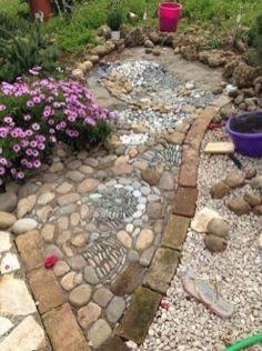 Wonderful Diy Mosaic Decorations Ideas For Garden33 Pebble Mosaic, Mosaic Diy, Mosaic Garden, Mosaic Pots, Backyard Water Feature, Ponds Backyard, Backyard Waterfalls, Koi Ponds, Landscaping With Rocks