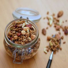 Home made granola - Winter edition: met appels en cranberry Muesli, Granola, Smoothies, Recipies, Food Porn, Low Carb, Lunch, Homemade, Healthy
