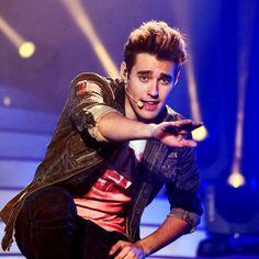 Jorge on Violetta Live 2015 :) Violetta And Leon, Violetta Live, New Disney Channel Shows, Cinema Tv, Perfect Boy, Sofia Carson, Pretty Boys, Actors & Actresses, Hot Guys