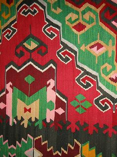 Kilim Rug. I love kilims..... Such a simple weave structure, and still such endless variation. Kind of missing having looms.... Sigh...