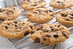 Ne hagyja kárba menni, készítse belőle süteményt! Dessert Light, Light Desserts, Cookie Recipes, Snack Recipes, Dessert Recipes, Cookies Light, Chewy Chocolate Chip Cookies, Pumpkin Spice Cupcakes, Cinnamon Cream Cheeses
