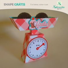 Grazi shape gratis balança Shape Gratis Silhouette, Silhouette Cameo, Recycled Crafts, Diy And Crafts, Paper Crafts, Cupcake Party, Party Cakes, Free Shapes, Freebies