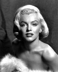 Marilyn Monroe Hollywood Glam by Digirrl