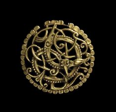 Pitney Brooch, made in England in the late 11th century