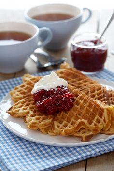 Vafler - verdens bedste | Familie Journal (waffle recipe in Danish)